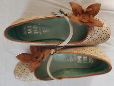 Nueva Con Caja Zapatos Niña. marca italiana, Color Beige Con Marrón. Talla 30eur/12uk.