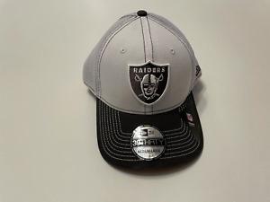 Las Vegas Raiders New Era 39Thirty Gray/White 2Tone Neo Mesh Stretch Fit Hat NFL