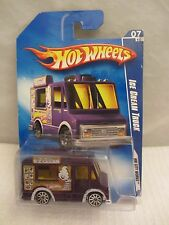 Hot Wheels 2009 Hw City Works Ice Cream Truck  NOC 1:64 scale  (0216) P2433