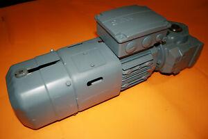 1 Stück SEW-EURODRIVE Getriebemotor SAF37 DRS71S4BE05/XV2A 0,37kW 1380/69 UPM