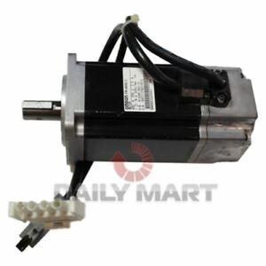 New In Box OMRON R7M-A40030-S1 AC Servo Motor