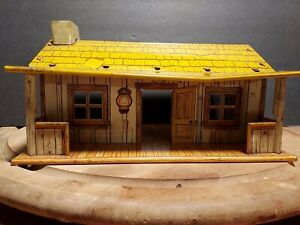 VINTAGE MARX 1950's ROY ROGERS RODEO RANCH TIN LITHO CABIN