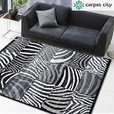 Markenlose gestreifte Wohnraum-Teppiche