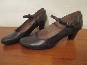 AEROSOLES brown ankle strap low heeled ladies court shoes U.K. 7 (EUR 40)