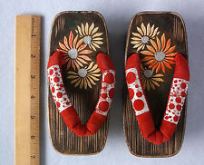 Vintage Girls Japanese Wood Sandals Shoes Thongs Painted Flowers Red Velvet Doll