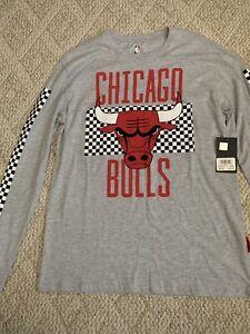 Chicago Bulls NBA Branded Primary Logo Long Sleeve T-Shirt - Gray Size Medium