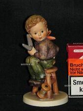 """Goebel Hummel 308 """"Schneiderlein"""", little tailor, Junge mit Schere und Garn"""