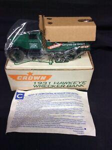 ERTL Crown 1931 Hawkeye Wrecker Truck  Diecast Bank. 1/34 NOS
