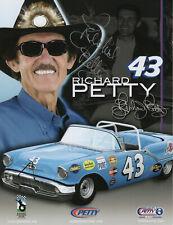RICHARD PETTY HAND SIGNED 8x11 PHOTO+COA       AMAZING POSE       KING OF NASCAR