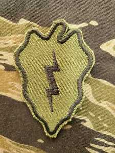 US Army Cut Edge Shoulder Patch 25th infantry Division OG-107 Twill Subdued 01