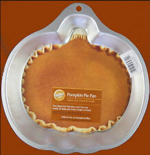 NEW!! Wilton **PUMPKIN PIE PAN**  Cake Pan w/ Insert