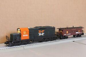 Lionel O gauge engine & matching caboose N H 8806, lite caboose