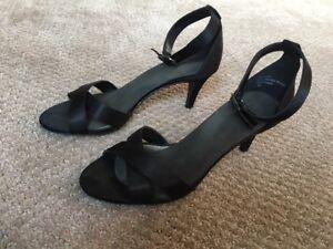 Kelly & Katie Black Heels Shoe 6.5