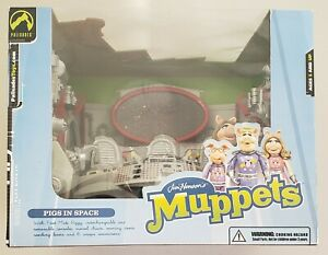 THE MUPPETS PIGS IN SPACE DELUXE PLAYSET + FIRST MATE PIGGY (MISS PIGGY) FIGURE