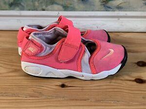Girls Nike Rifts Size 9.5