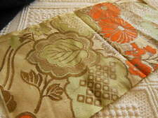 B20 petit coupon de tissu ancien fleur oraange motif or  17 sur 31 cm