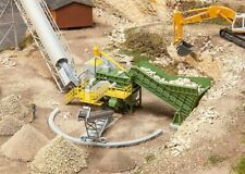 HO Scale Buildings - 130173 - Jaw crusher with conveyor belt - kit