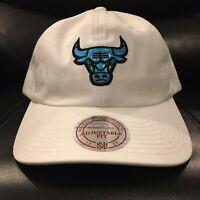 NBA Chicago Bulls Mitchell & Ness Strapback Gaze Dad Hat Mens White Blue