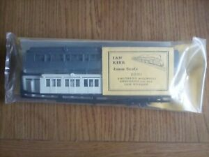 Ian Kirk 8880 Southern Maunsell Composite 1st/3rd Coach Kit-Basic - Low Window