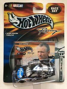 Nascar Hot Wheels Racing Pfizer #6 Mark Martin Car & Collectible Trading Card
