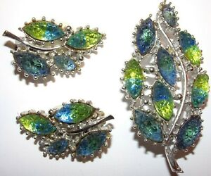 LOVELY UNSIGNED VINTAGE PIN AND EARRING SET WITH AMAZING COLOR AND DETAIL-NICE