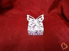 Boite à dragée fermeture en ailes de papillon blanc violet x25