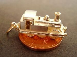 9CT YELLOW GOLD OPENING STEAM TRAIN OPENING CHARM