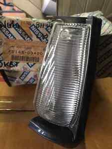 DATSUN Sunny Sentra B11 Sedan Front Corner Lamp Light LH side Genuine Nos Japan