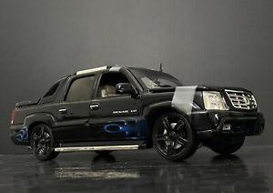 2002 Cadillac Escalade EXT Pick Up Truck Custom Ertl 1/18
