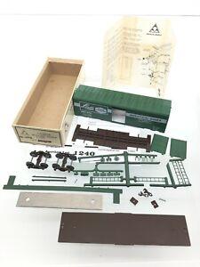 1240 American Models Linde Union Carbide Box Car 109B Kit S Scale 2 Rail