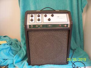 "Sears 40XL Danelectro 1422 amplifier S.State amp 12"" Alnico speaker used cond."
