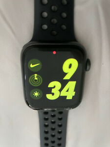 Apple Watch Series 4 Nike+ 44mm Gray Case - Sport Band (GPS + Cellular) Watch