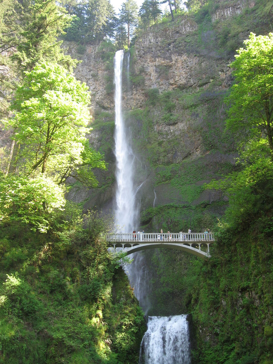 Cascade_locks_gold_and_silver