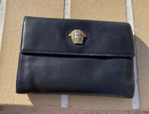 VINTAGE GIANNI VERSACE BLACK LEATHER MEDUSA DETAIL FLAP WALLET MADE IN ITALY