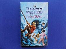 | @Oz |  THE SECRET OF SPIGGY HOLES By Enid Blyton (1965), SC