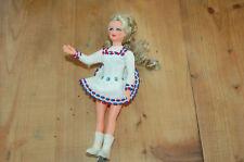Ancienne petite poupée patineuse - bleu- blanc -rouge- 18,5 cm ---------/A13/