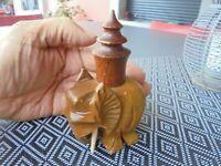 Ancien Petit Briquet à Essence de Table à l'Eléphant en Bois : Années 50
