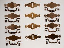 Möbelgriffe und Schilder, Oberfläche Messing-Antik, Komplett Set für Kommoden,