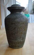 antike Vase Urne Gefäß mit Deckel Indien Bronze Handarbeit graviert Deko Kult