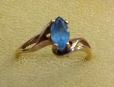 Stunning 10K Gold Ladies Ring w Blue Topaz  Stone Size 5 3/4 ((479))
