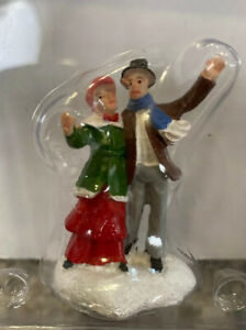 New Lemax Figurine Man Woman Carolers Village Christmas Carole Towne