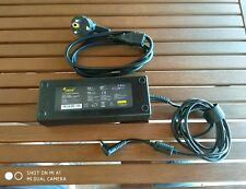 PC AC Adapter Alimentatore Universale LEICKE NT00331 110-240V 2,5A Output 19V