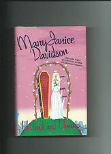 Undead And Uneasy By MaryJanice Davidson VGC HC/DJ Queen Betsy