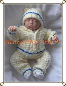 """A5 PAPER KNITTING PATTERN *Aran Pram suit * 0-3 Months Baby/20-22""""Reborn"""