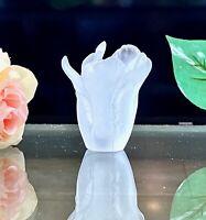 Daum Tulip Mini Vase White Pate de Verre French Crystal New in Box  05158-1