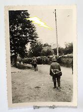 Foto - Soldat - Uniform - Ausrüstung - Gasmaske - Helm - Krieg - 2. Weltkrieg