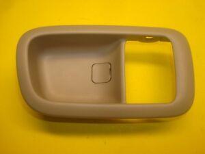 97 98 99 00 01 Lexus ES300 Interior Door Handle Right Passenger Rear Tan