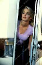 8b20-16912 cute Heather Thomas peeking out of the dressing trailer 8b20-16912