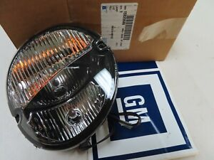 New OEM GM 2006 - 2009  Pontiac Solstice driving fog park light lamp lens RIGHT
