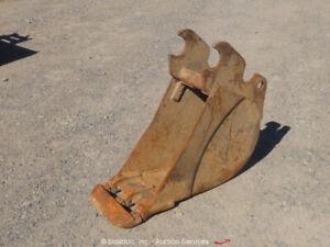 """Kubota 12"""" Digging Bucket Excavator Backhoe Attachment 3-Tooth bidadoo"""